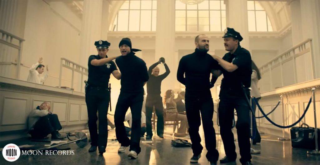 Трек «Прикольная» группы «MMDANCE» в топе «СУПЕРХИТ» Билайна