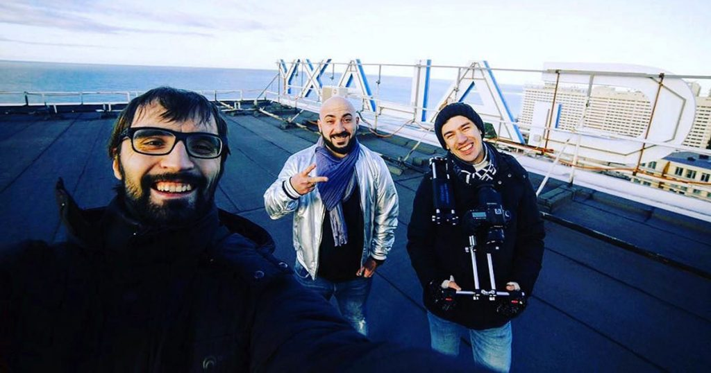 Mazzakyan, together with a team led by Andrey Fedorov from the company ArtlineVideoProduction, began filming a hot dance video for the song Sirumem (I Love) in Sochi.