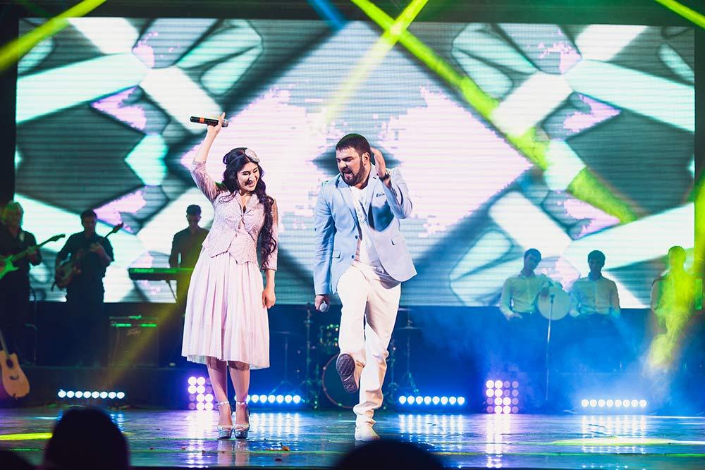 Анжелика Начесова и Артур Халатов на концерте в Майкопе