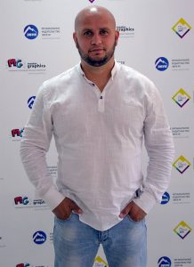 """Алан Музаев в офисе музыкального издательства """"Звук-М"""""""