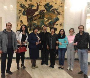 Зураб Узденов и часть труппы Карачаевского театра