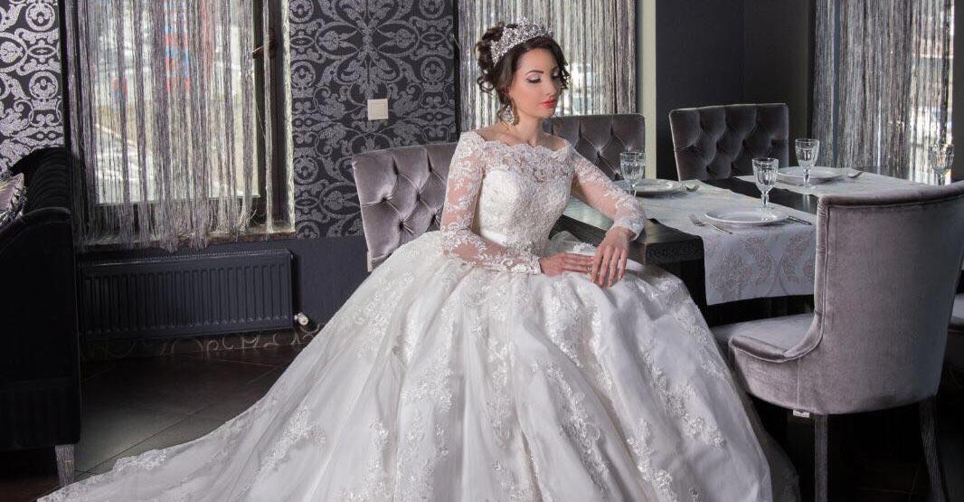 Илона Кесаева примерила свадебное платье…