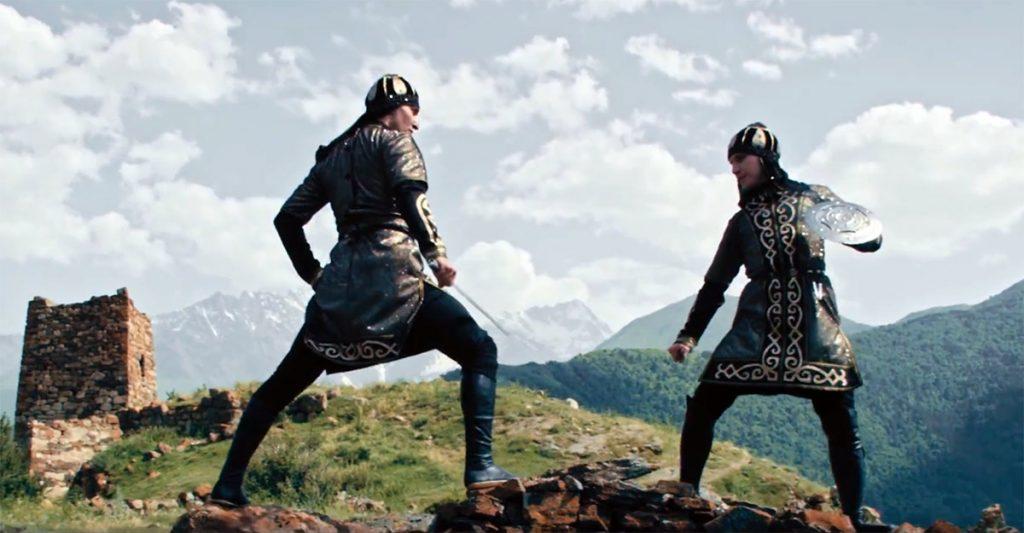 Специально для клипа «Аланы» дизайнер Изольда Гочияева создавала и шила стилизованные старинные осетинские костюмы