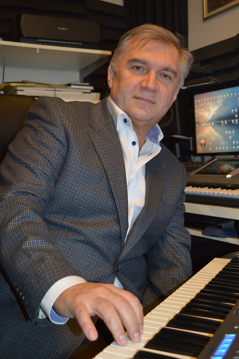 """A popular singer, poet and composer Sergey Kolesnichenko joined the successful team of the music publishing house """"Zvuk-M""""."""
