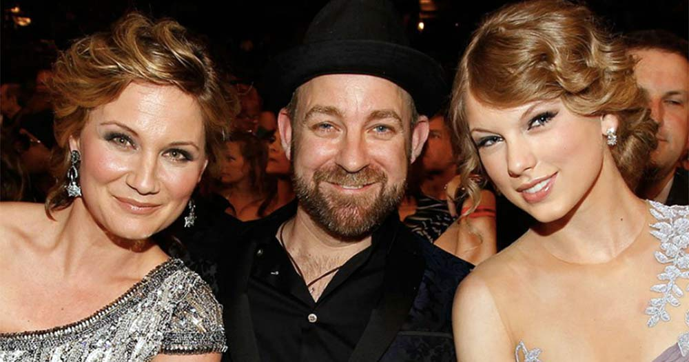 Group Sugarland sang with Taylor Swift