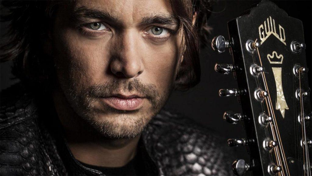 38-летний певец Waylon начал свою музыкальную карьеру в 1995 году. Фото с сайта https://www.esc-plus.com