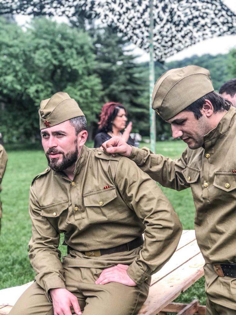 Участники коллектива «АмикС» - Азамат Цавкилов и Анзор Хусинов. Фото из архива театра «АмикС»
