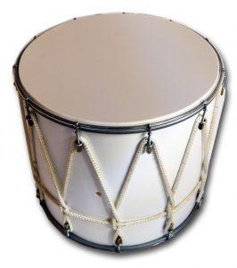 Кавказский барабан имеет сеть переплетённых верёвок, которые стягивают верхнюю и нижнюю мембраны друг к другу