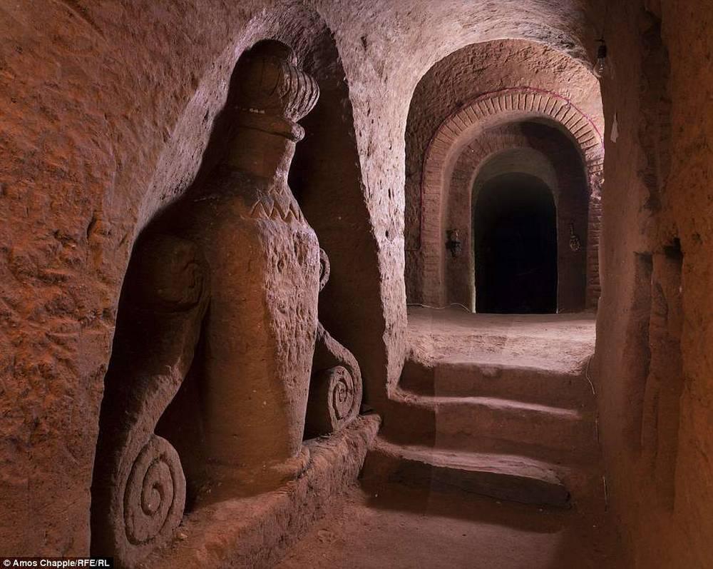 Подземный храм в селе Ариндж