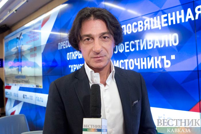 "President of the film festival ""Crystal source"" Euclid Kurdzidis. Source: http://vestikavkaza.ru"