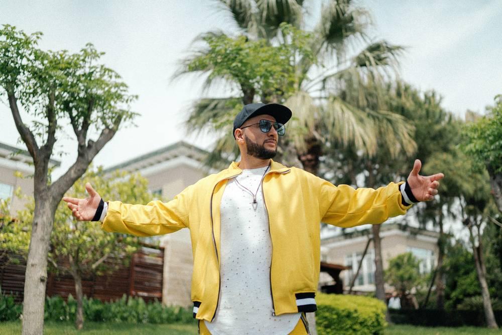 Группа «Султан Ураган» представляет новый клип «Багамы»