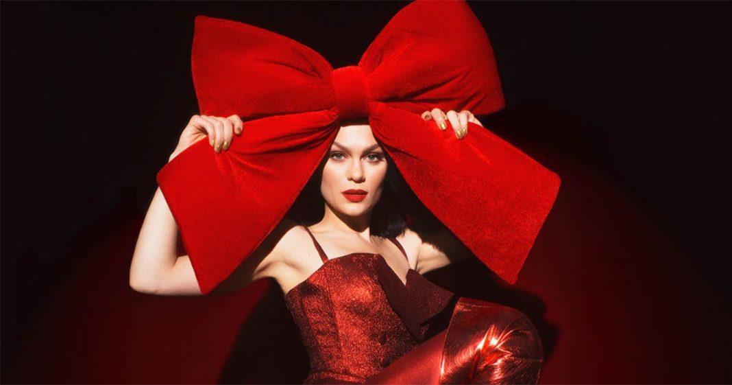 «This Christmas Day» - вышел рождественский альбом Jessie J