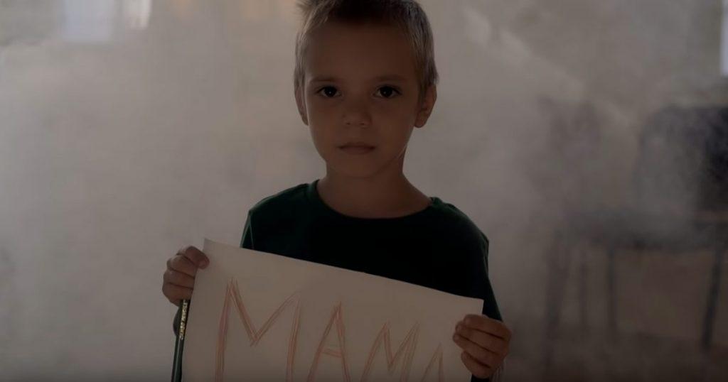 Кадр из видеоклипа Руслана Гасанова «Мама»