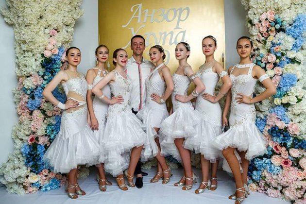 12 июня в Нальчике состоялся юбилейный концерт поэта и композитора Анзора Хаупа с участием Руслана Кайтмесова
