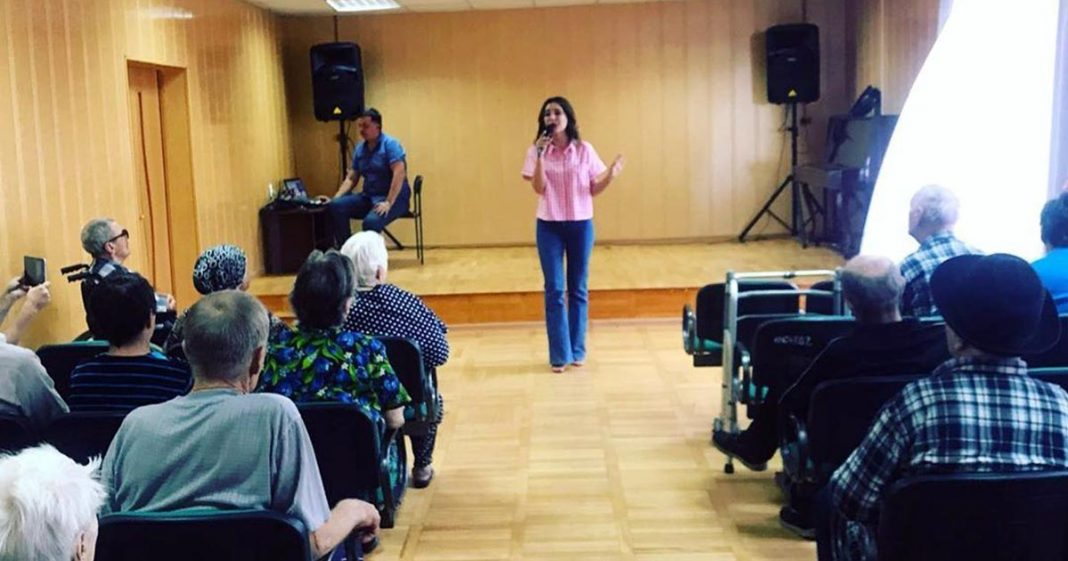 """Artists """"Sound-M"""" performed in a boarding house for the elderly and disabled in Cherkessk"""