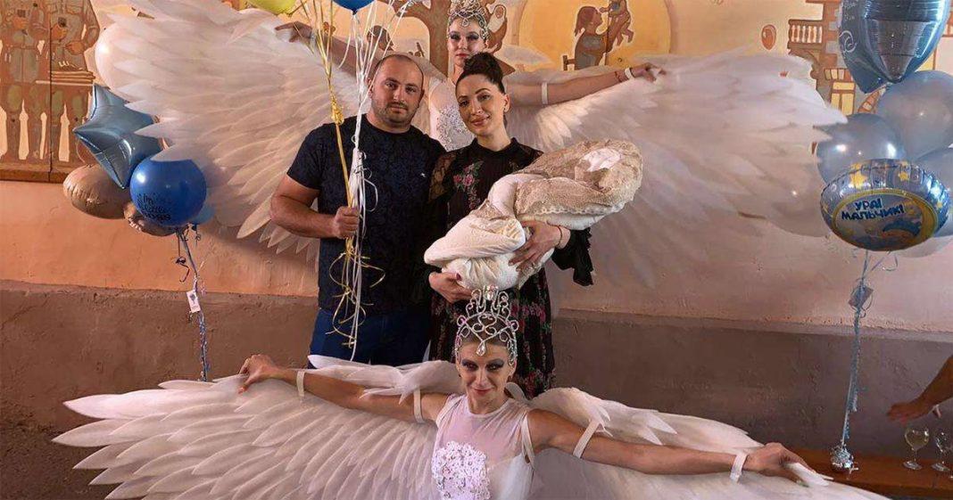 26 сентября 2019 года в семье популярной певицы Илоны Кесаевой и ее мужа Марата родился сын Алихан