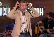 "Gosha Grachevsky performed a new live track ""Radio Chanson"""