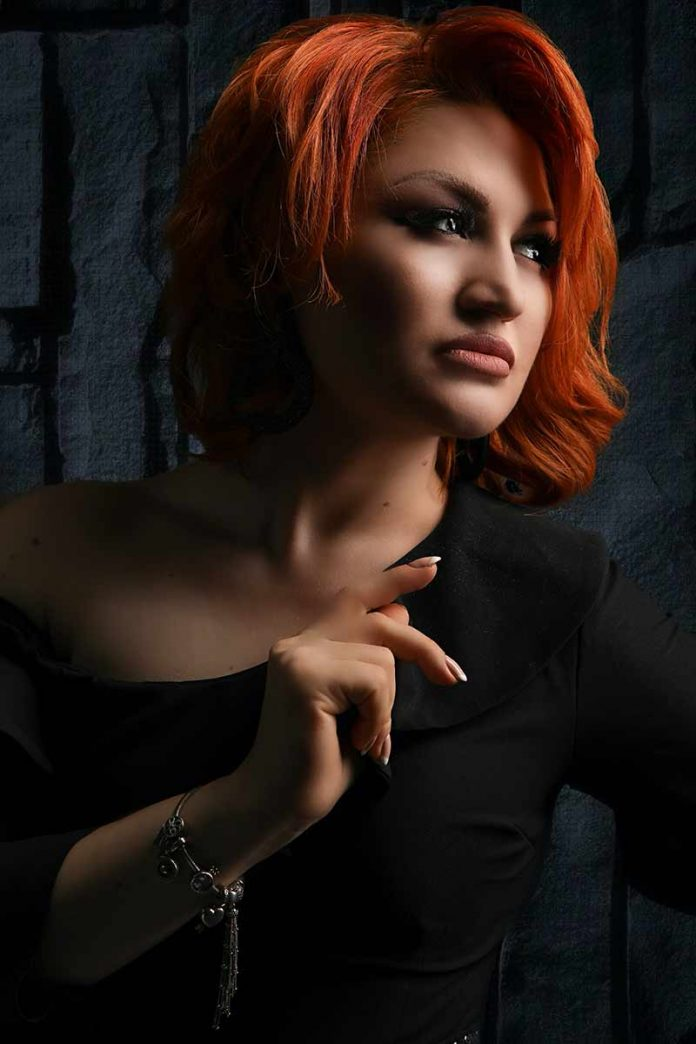 Певица из Дагестана Жаклина подписала договор о сотрудничестве с музыкальным издательством «Звук-М»