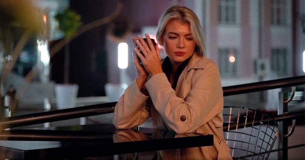 Главную женскую роль в видеоклипе Ислама Итляшева «Она любила розы» исполнила Валерия Ладыгина