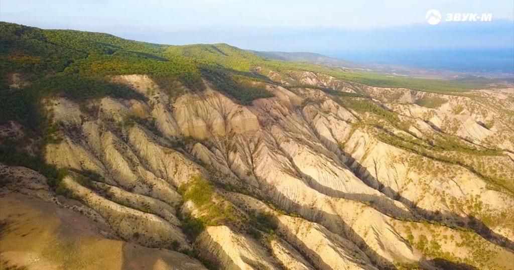 В видеоклипе «Полководцы» Рейсан Магомедкеримов особое внимание уделил величию кавказской природы