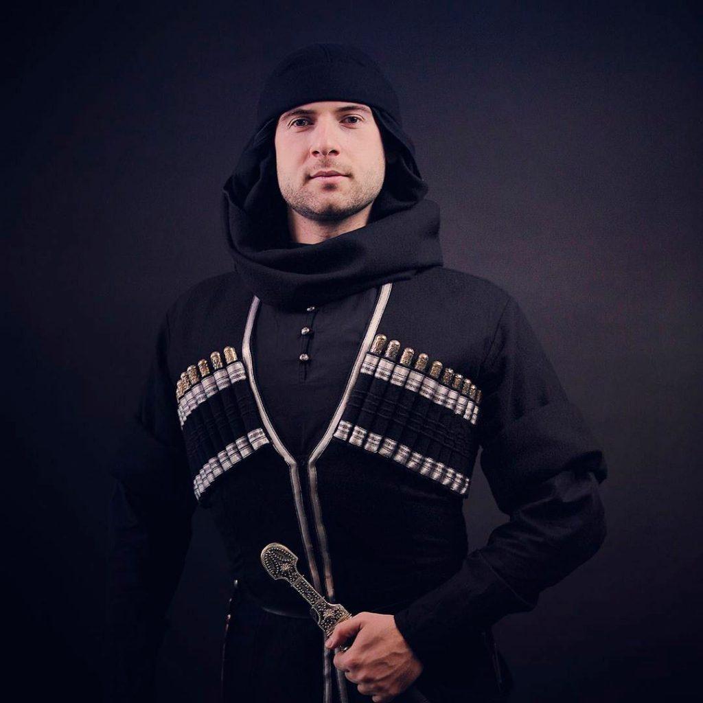 Азамат Биштов