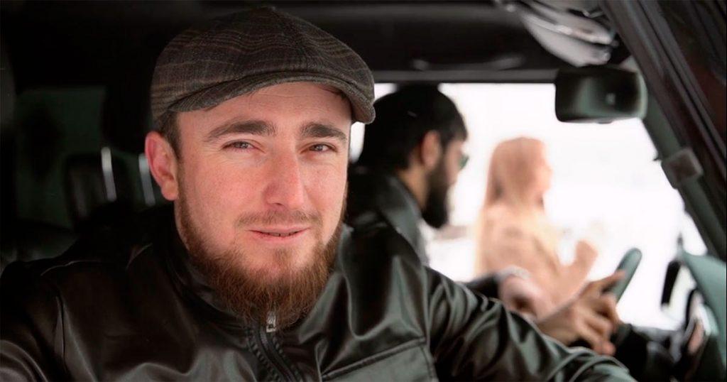Султан Лагучев в видеоклипе на песню «Хулиган