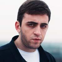 Роберт Катчиев