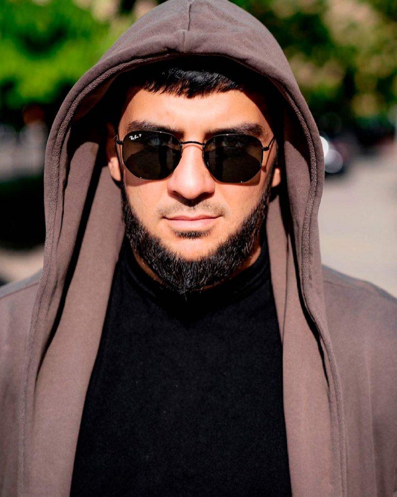 Ислам Итляшев