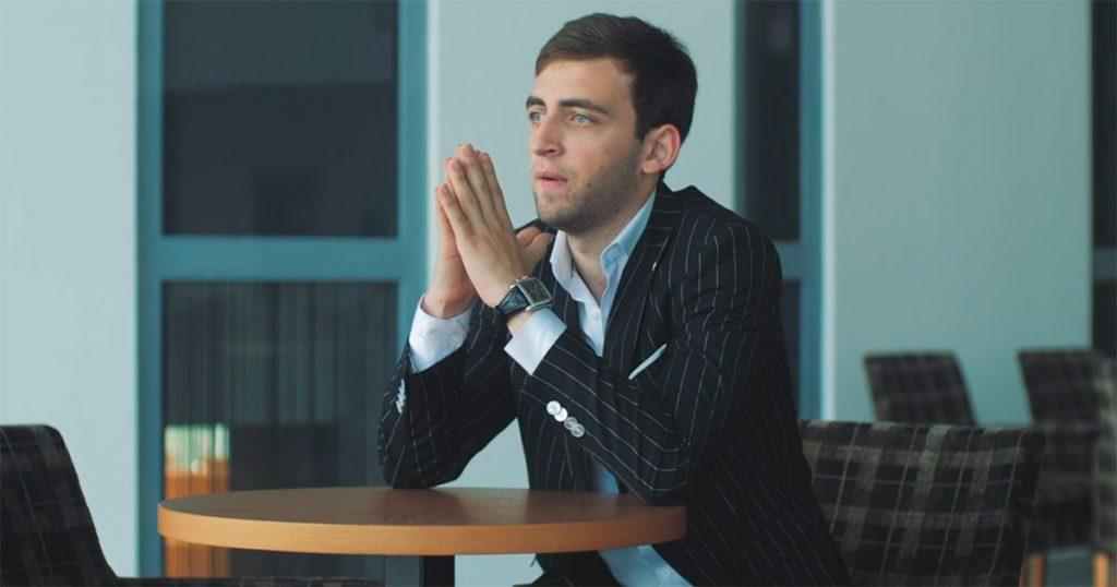 Роберт Катчиев представил видеоклип на новую песню - «Неверная». Режиссёр Нурадин Сатыров. Поэт и композитор Азамат Биджиев.