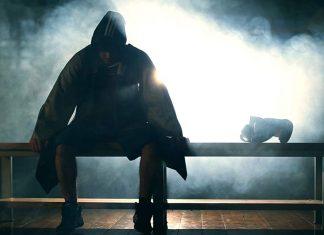 Давид Швелидзе выходит на ринг под песню Адлера «Вольная борьба»