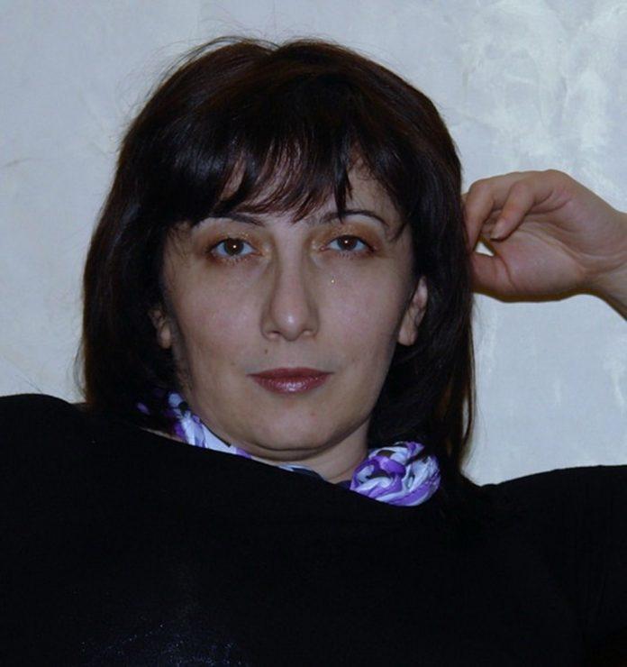 Ася Санашокова в центре любовного треугольника