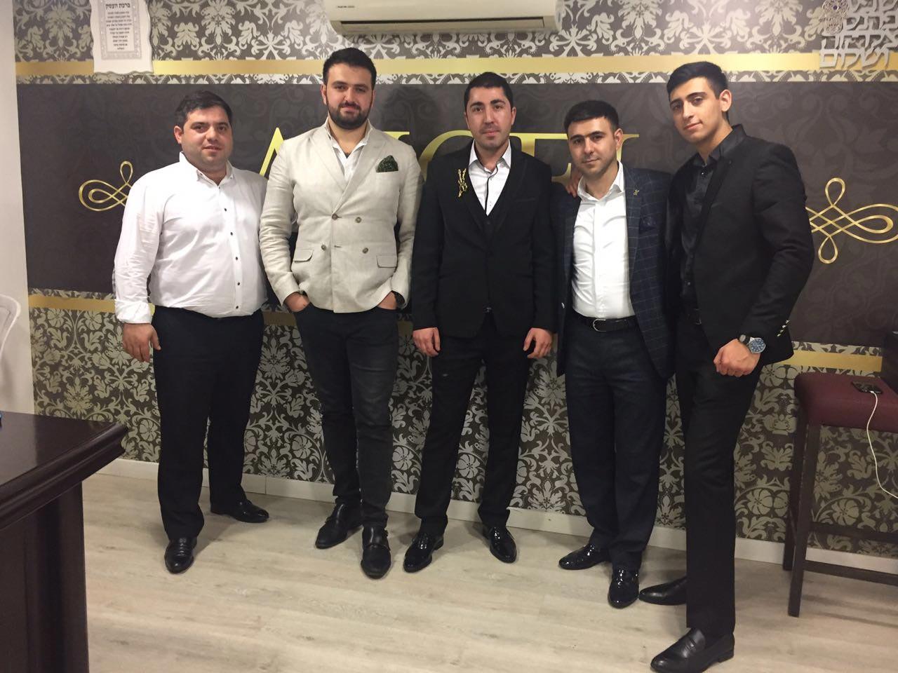 В Хадере и Ашкелоне Sergey выступал на одной сцене с популярными певцами Ближнего Востока, а также известным артистом из Москвы Аркадием Думикяном