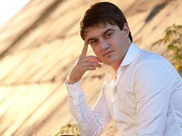 16 апреля исполняется 27 лет одному из самых популярных певцов кавказской эстрады – Айдамиру Мугу