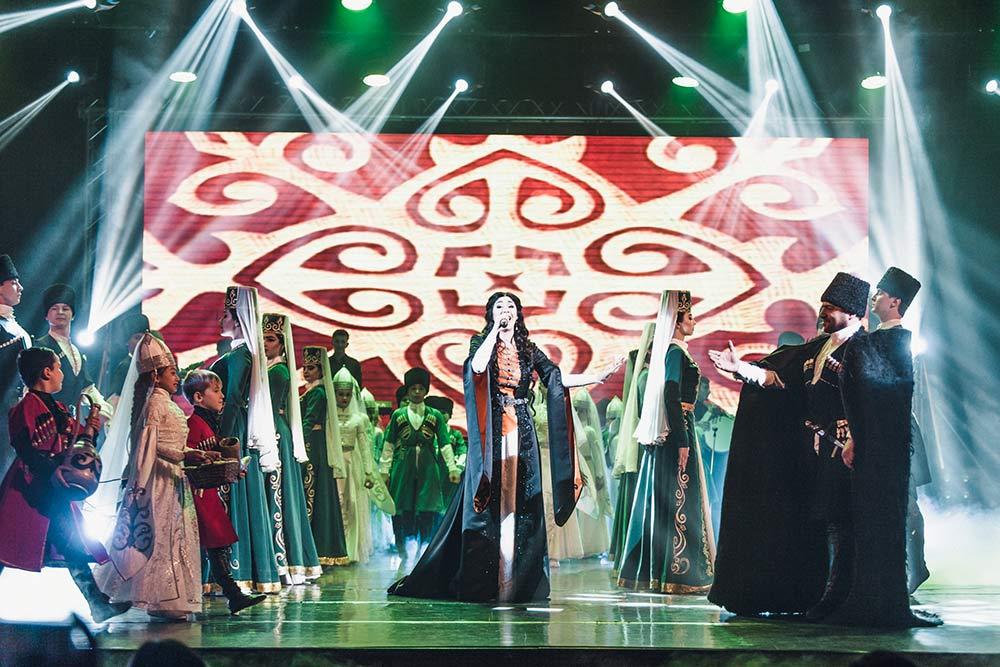 Национальные песни Анжелики вызвали настоящее восхищение зала
