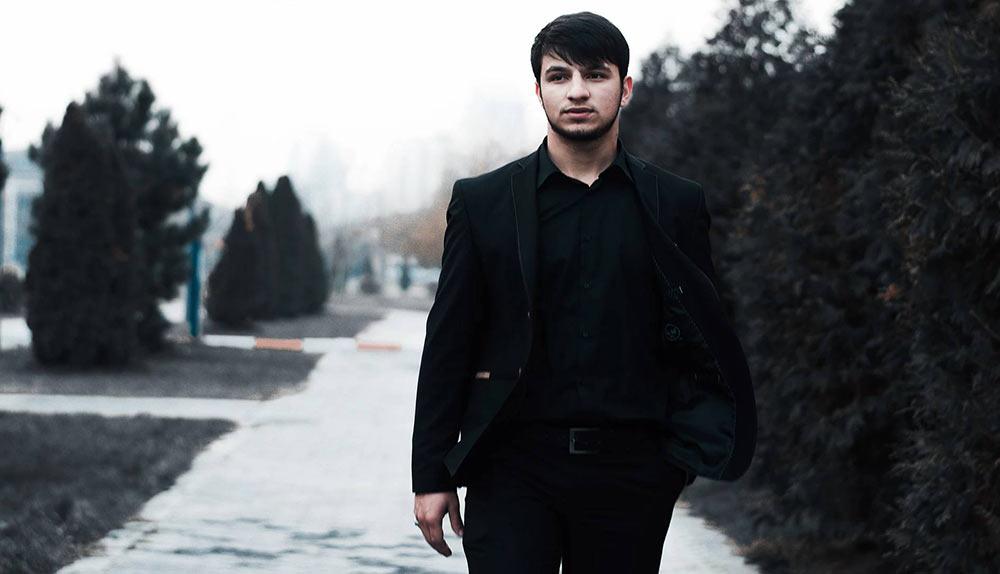 "The artist of the music publishing house ""Zvuk-M"" is the performer of the nashidov Isa Esambayev. Photo courtesy of www.esambaev.com"