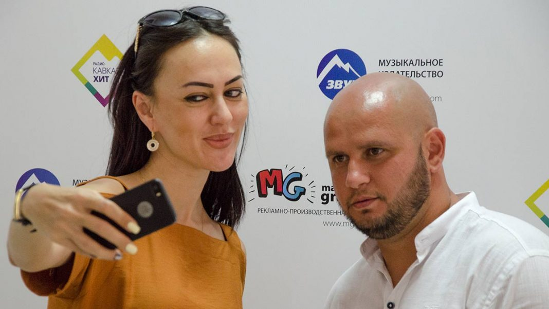 "Star guests in the office ""Sound-M"". Ruslana Sobiev and Alan Muzaev."