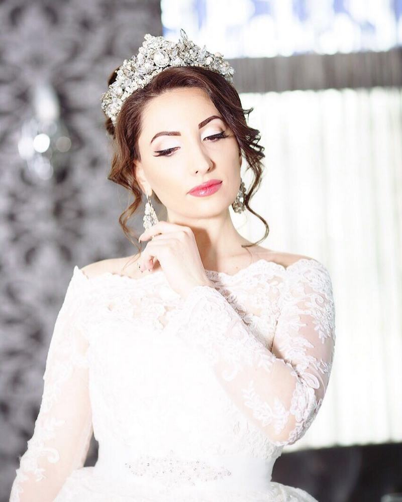 "A new issue of the magazine ""Wedding in Ossetia"" was published, one of the heroines of which was the famous singer Ilona Kesayeva."