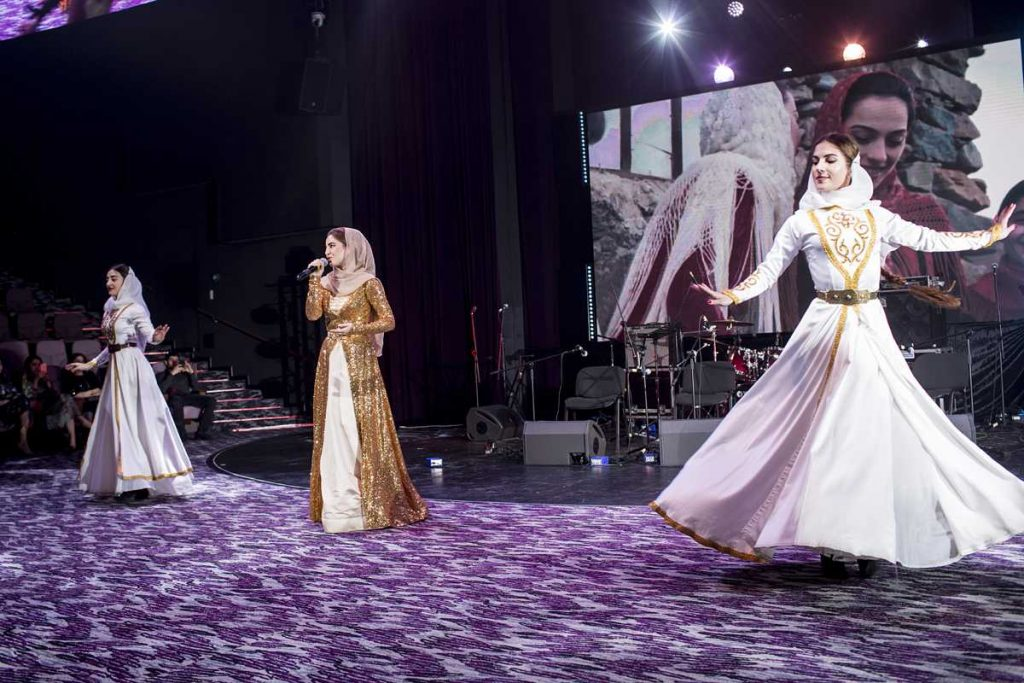 """Caucasian Express in Moscow. Alla Boychenko with the song """"Maryam"""" and the ensemble """"Bart"""""""