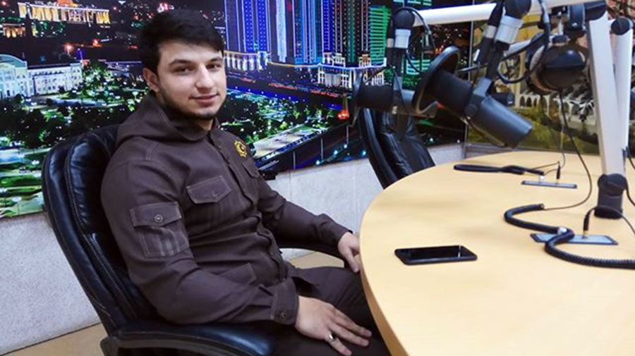 "Isa Esambaev live on the radio station ""Grozny"""