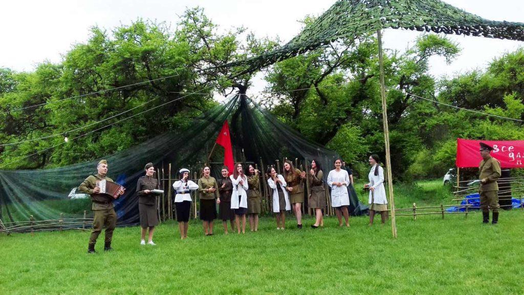 Театр песни «АмикС» исполняет свою новую композицию: «О женщинах Кабардино-Балкарской республики в период войны»