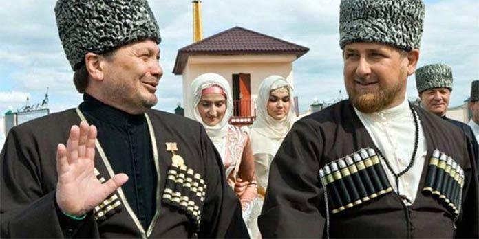 Одес Байсултанов и Рамзан Кадыров. Фото представлено сайтом http://kavpolit.com/