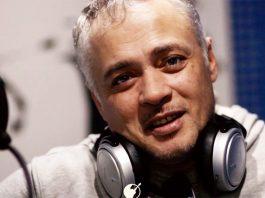 Айдамир Эльдаров работает над песней, посвященной отцам…