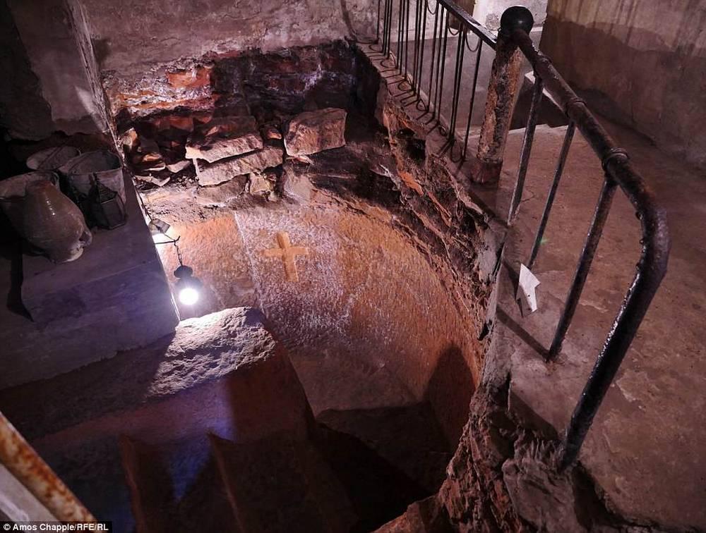 Underground temple in Arinj village