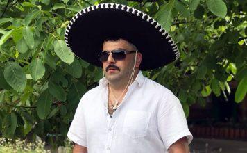 Артур Халатов впервые за 7 лет сбрил бороду