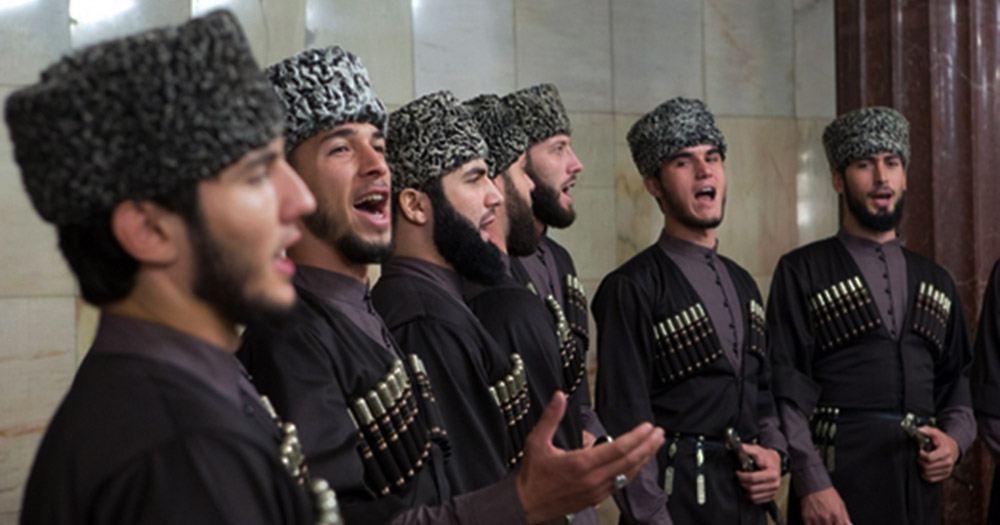 The brilliant performance of the Chechen choir at the Moscow metro station!