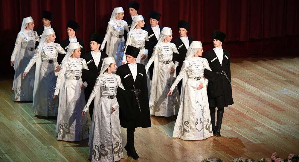 Детский ансамбль «Хуры тын» в Италии. Фото: https://sputnik-ossetia.ru