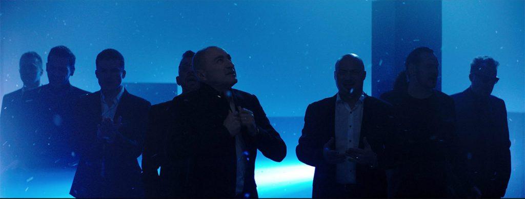 "Кадр из видеоклипа ""Хора Турецкого"" «Снегом»"