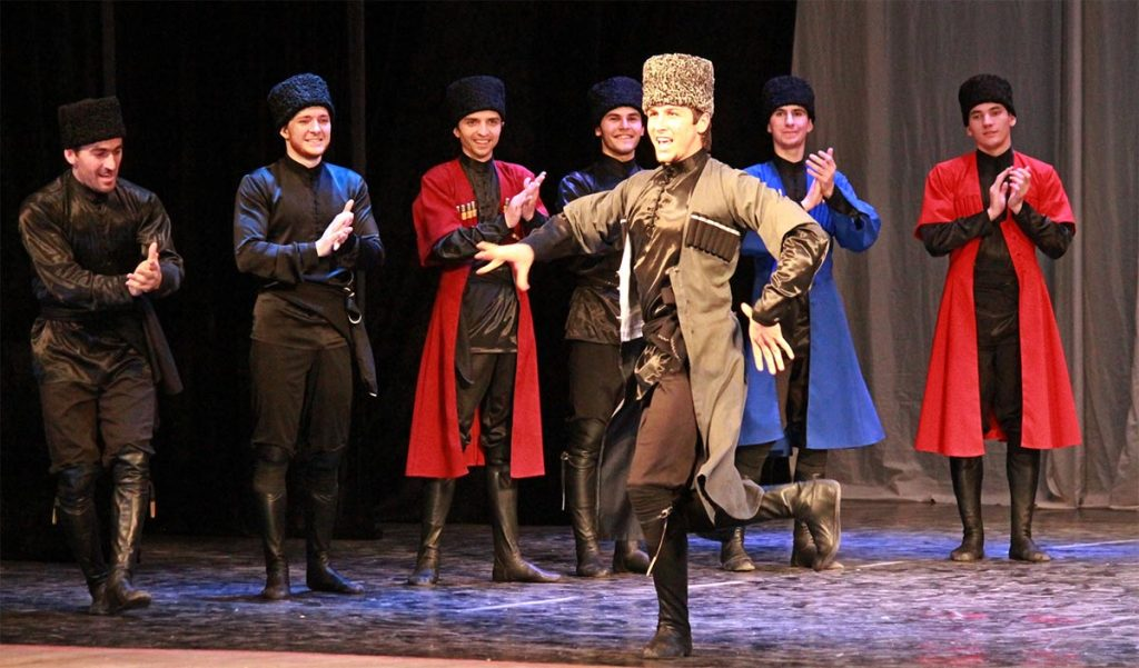 """Chechen State Dance Ensemble """"Vainakh"""". Photo: http://permdnt.ru"""