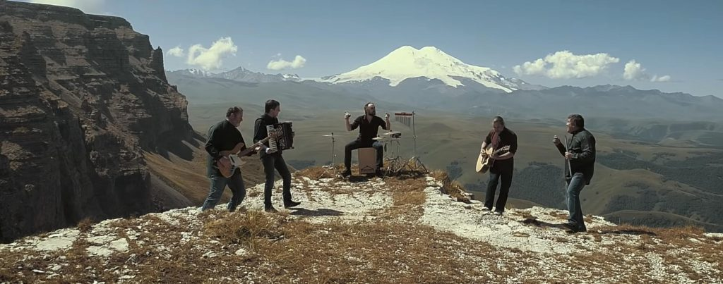 "The group ""Hatti"". Shooting a video for the song ""Zymahue"" (""Once"")"