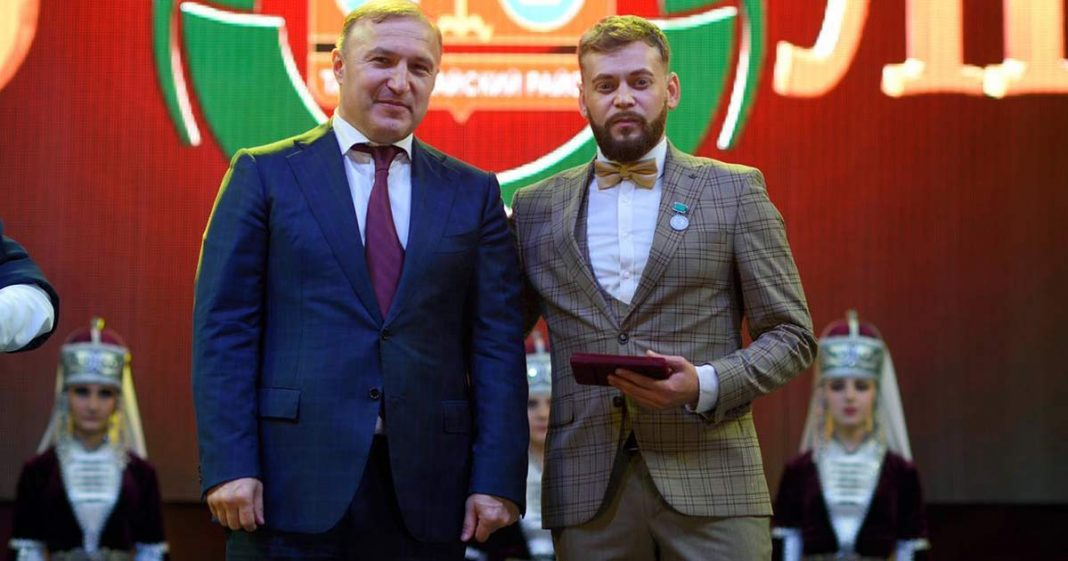 Adam Achmiz received the title of Honored Artist of the Republic of Adygea